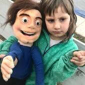 Siam es amigo de Gabriel, ambos son réplicas de personajes reales, hoy despidiéndose de Ona #puppets #marionetas #titeres #replicasentiteres