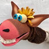 Manopla de lobo en gomaespuma maciza,  #lobo #marionetas #titeres #titeresdegomaespuma