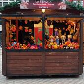 Luego de varios años de ausencia volvemos a la Feria Mercado de Arteasania de Navidad de Bilbo, este año en formato de casetas de maderas individuales