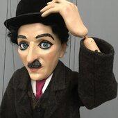 Charles Chaplin, marioneta de 10 hilos con mecanismo para el movimiento de ojos ,70cm de altura en resina y madera #charleschaplin  #ricimarionettes #puppetshop #livingpuppets #titeres #marionetas #art #arte #artesania #me #love #ferias #muñecos #animales #teatro #biodegradable #gestuales #cabezones #carnaval #españa #argentina #artesano #jugetes #online #instagood #petlovers #inspiration